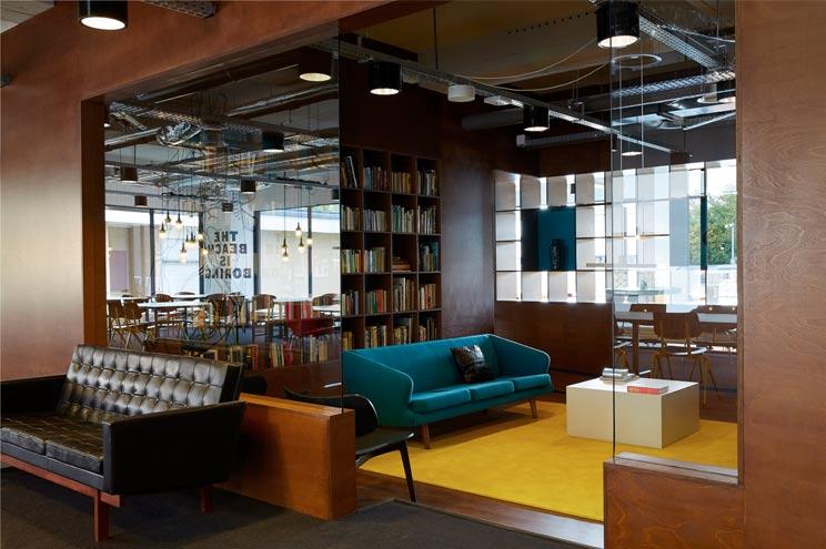 The Student Hotel Amsterdam - Vintage Möbel und Retro Design, 50er Jahre