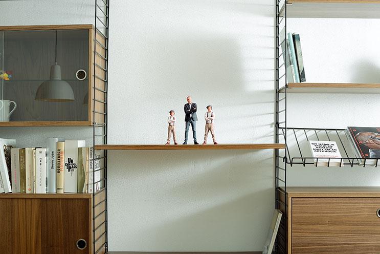 Twinkind Figuren vater und Söhne Bücherregal