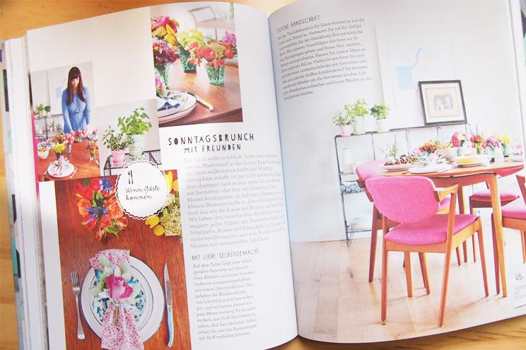 Idee für Zuhause, die Wohnung mit Blumen dekorieren, Anleitung für Tischdekoration zum Selbermachen im Buch von Holly Becker - Wohnen mit Blumen